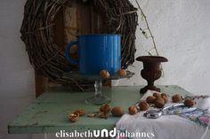 Vintage Küchengeräte - Französische Kanne / antik blau emaille - ein Designerstück von elisabethUNDjohannes bei DaWanda