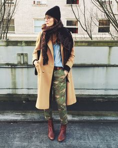 (@madewell1937 camo pants,@jcrew shirt, #vintage coat via @bogartandmoore, hand knit hat from @yovintageshop & fave old boots and scarf.)