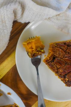 Two classic southern Thanksgiving dessert recipes meet in one perfect pie with distinct bourbon sweet potato and pecan layers. Wondering how to make pecan pie? Here's the best recipe. You'll also get a southern sweet potato pie recipe and learn how to make the perfect Thanksgiving pie with both from Dash of Jazz #dashofjazzblog #pecanpierecipesouthern #pecanpierecipeeasycornsyrup #sweetpotatopierecipessouthern #sweetpotatopecanpierecipesouthern Sweet Potato Pecan Pie, Bourbon Sweet Potatoes, Potato Pie, Pie Recipes, Dessert Recipes, Mini Pecan Pies, Thanksgiving Pies, Southern Recipes, Jazz