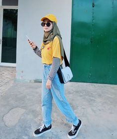 Casual hijab style ideas Source by hanifarufaidah ideas hijab Hijab Casual, Casual Outfits, Fashion Outfits, Womens Fashion, Modest Fashion, Hijab Chic, Ootd Hijab, Casual Chic, Classy Outfits