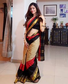 Indian Actresses and Models in Saree- Photo Gallery! Beautiful Girl Indian, Most Beautiful Indian Actress, Beautiful Saree, Gorgeous Women, Indische Sarees, Saree Photoshoot, Femmes Les Plus Sexy, Saree Models, Saree Look