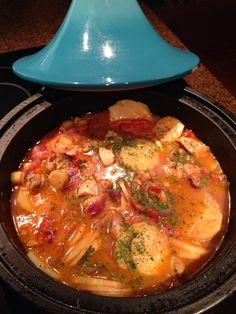 Tajine #kip #pastinaak Tagine Recipes, Rainbow Food, Portobello, Fodmap, Bon Appetit, Slow Cooker, Curry, Good Food, Spices
