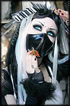 Cyber & Natural or Synthetic Dreadlocks Cyberpunk Clothes, Mode Cyberpunk, Cyberpunk Girl, Cyberpunk Fashion, Punk Outfits, Grunge Outfits, Gothic Steampunk, Steampunk Fashion, Gothic Fashion
