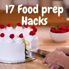 These smart ideas will help you cook healthier meals faster. Save a lot of time, and have more fun while cooking!😍🍔 yummy desserts videos 17 Food prep hacks to try! Healthy Meals To Cook, Healthy Cooking, Cooking Tips, Cooking Recipes, Healthy Recipes, Dinner Healthy, Cooking Videos, Cooking Food, Healthy Food