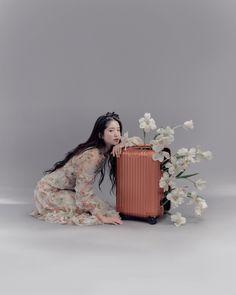 Korean Photoshoot, Photoshoot Concept, Photoshoot Themes, Figure Photography, Portrait Photography, Fashion Photography, Aesthetic Photo, Aesthetic Girl, Photography Ideas At Home