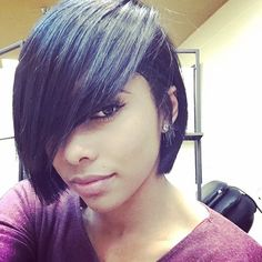 """""""This exaggerated part is fly ✂️ @ishouldbstuckup #boblife #shorthair #stunner #thecutlife"""""""