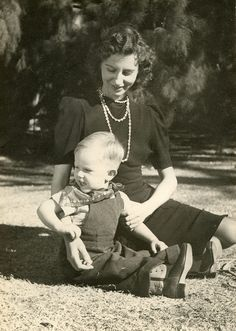 1940 | Moms: 100 Years in Photos