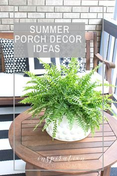 Looking for some easy summer porch decor ideas? Create a beautiful, relaxing retreat with the classic colors; black and white. Looking for some easy summer porch decor ideas? Create a beautiful, relaxing retreat with the classic colors; black and white. Summer Front Porches, Summer Porch Decor, Woodstock, Diy Design, Design Ideas, Patio Signs, Building A Porch, Relax, House With Porch