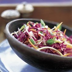Williams Sonoma Jicama Carrot & Red Cabbage Salad - can substitute sherry vinegar for the white vinegar Red Cabbage Salad, Cabbage Salad Recipes, Jicama Slaw, Eating Light, Clean Eating, Vegetarian Cabbage, Healthy Eating Recipes, Vegan Recipes, Side Salad
