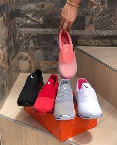 Cute Sneakers, Shoes Sneakers, Estilo Nike, Sneakers Fashion, Fashion Shoes, Shoe Boots, Shoes Sandals, Baskets, Unique Shoes