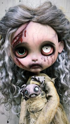 Custom listing example Regular price contact me for more details. OOAK blythe doll outfit dress neo blythe scary freak halloween doll Custom listing example Regular price 530 contact me for Scary Dolls, Creepy Doll Makeup, Big Eyes Artist, Porcelain Dolls Value, Doll Tattoo, Living Dead Dolls, Scary Art, Gothic Dolls, Halloween Doll