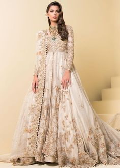 Byzantinian Glory – Sadaf Fawad Khan Source by freiherrvonfuer fashion pakistani Asian Bridal Dresses, Pakistani Wedding Outfits, Pakistani Bridal Dresses, Pakistani Wedding Dresses, Pakistani Dress Design, Bridal Outfits, Pakistani Clothing, Wedding Hijab, Wedding Bride