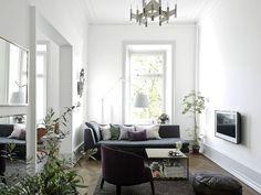 LIVING ROOM IDEAS – FASHIONABLE SMALL APARTMENT