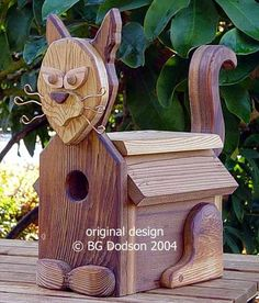 Love this idea. Birdhouse Designs, Bird House Kits, Bird Boxes, Nesting Boxes, Little Birds, Animal House, Wild Birds, Bird Cage, Garden Projects
