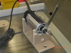 3rd Hand - for Router Bit Changes
