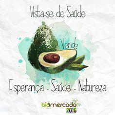 Para receber 2016 com saúde e energia, o BioMercado Brasil propõe fazermos uma contagem regressiva com as cores e sabores de alimentos que amamos.  Começamos com o verde, presente não apenas no nome, mas também no próprio DNA do BioMercado. E fazendo jus a essa cor linda e marcante, evocamos o abacate. #biomercadobrasil #green #verde #abacate #nowfoods #saude #vidasaudavel #cores