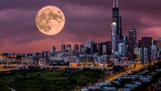 Forget everything you know about the Windy City—there are plenty of high-vibe happenings in Spiritual Chicago, says Andrea Kasprzak. Milwaukee City, Chicago City, Chicago Skyline, Chicago River, Chicago Illinois, My Kind Of Town, Best Cities, San Francisco Skyline, Beautiful Places