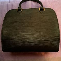 LOUIS VUITTON BLACK Pont Neuf Handbag-MORE PICTURE Authentic Black Epi Leather Pont Neuf Handbag.  This bag has a black zipper closure and front and back open pocket.  In good condition and Non-Smoker---More pictures available in my closet-  scratch on side Louis Vuitton Bags