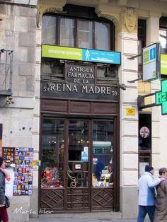 esta antigua y bella farmacia   En la calle Mayor.