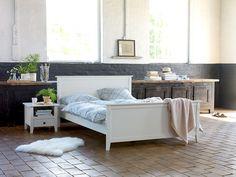 Mobila de culoare albă oferă luminozitate dormitorului   JYSK #bedroom #homeinspiration #interiordesign   JYSK