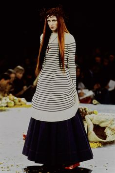 Jean Paul Gaultier Spring 1998 Ready-to-Wear Fashion Show - Karen Elson