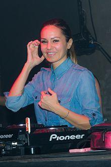 Deborah De Luca – Wikipedia Luca, Vinyl Records, Dj, How To Look Better, Culture, Female, Stars, Concert, Turntable