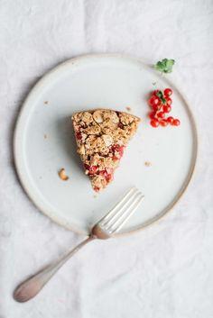 raspberry-currant yogurt crumble cake (gf + df)   dolly and oatmeal