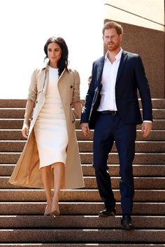 4 Meghan Markle-Inspired Wardrobe Essentials All Women Need markle fashion 4 Pieces Every Meghan Markle-Inspired Wardrobe Needs Estilo Meghan Markle, Meghan Markle Dress, Meghan Markle Outfits, Meghan Markle Style, Meghan Markle Fashion, Meghan Markle Clothes, Royal Fashion, Look Fashion, Fashion Outfits