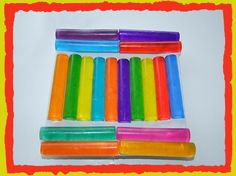 How to Make Bath Crayons! Clear glycerin soap base cut into cubes 3 or more soap color dyes (or food color dyes) Essential oils in your favorite smells (optional) Glass measuring cup for melting soap Spoons for mixing colors and fragrances Ice cube trays or round crayon molds
