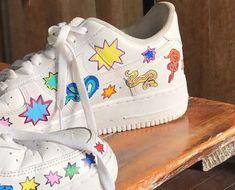 Aesthetic Shoes, Aesthetic Clothes, Sneakers Fashion, Shoes Sneakers, Estilo Cool, Vanz, Diy Vetement, Hype Shoes, Dream Shoes