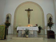 Detalle del Altar de la Iglesia del Dulce Nombre del Niño Jesús de Yegen. Fotografía realizada en Yegen por alumnos de la asignatura de Dirección Artística (CAV-UPV, Campus de Gandía)  como trabajo de campo.