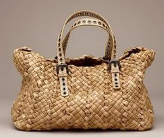 Beautiful Handbags, Beautiful Bags, My Bags, Purses And Bags, Basket Bag, Summer Bags, Knitted Bags, Sisal, Handmade Bags
