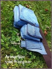 Gürteltasche aus alten Jeans / Belt bag made from old pair of jeans / Upcycling Mehr