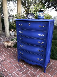 Vintage Bassett dresser painted in a custom mix of Annie Sloan and Dixie Bell paint. All Things New. Vintage Bassett dresser painted in a custom mix of Annie Sloan and Dixie Bell paint. All Things New. Blue Painted Furniture, Funky Furniture, Refurbished Furniture, Paint Furniture, Repurposed Furniture, Furniture Projects, Furniture Makeover, Vintage Furniture, Furniture Decor