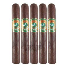 601 Cigars seem to pay very close attention to detail and that is clear when you look at the Green Label Oscuro Corona, you will not find any soft spots on these cigars and the seams are virtually invisible. #oscuro #corona #601cigars #601green #5pack