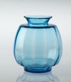 Kristalunie Maastricht vase 'Algol' by W.J. Rozendaal, 1933