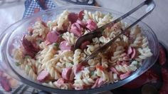 Salada de macarrão com salsicha*