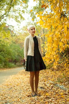 Yellow Socks With Polish Black Pumps Brown Skirt Striped Grenad Sweat
