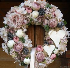 Diy Wreath, Wreaths, Shabby Chic Wreath, Deco Floral, House Rooms, Flower Arrangements, Floral Wreath, Wallpaper, Spring