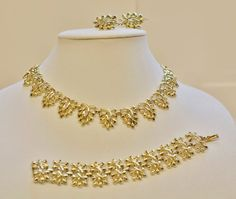 Coro Vintage Gold Tone Leaves Necklace by PuddinRidgeCreations