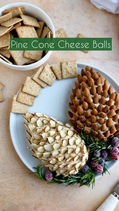 Christmas Cheese, Christmas Party Food, Christmas Appetizers, Christmas Cooking, Christmas Eve, Party Snacks, Appetizers For Party, Appetizer Recipes, Charcuterie Recipes