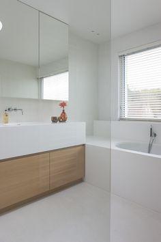 https://i.pinimg.com/236x/86/da/43/86da4307f1257ae0b19decb88ca44c96--bathroom-ideas-bathrooms.jpg