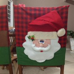 Posts about Christmas written by money. Cute Christmas Ideas, Christmas Projects, Christmas Sewing, Christmas Home, Christmas Table Decorations, Holiday Decor, Home Crafts, Diy And Crafts, Christmas Chair Covers
