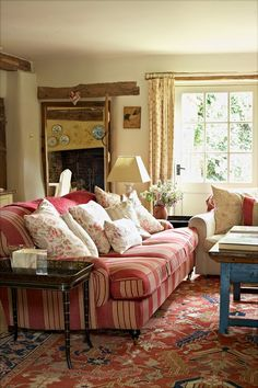 Cool Chic Style Fashion: Decor Inspiration | English Country House. Love this deep sofa.