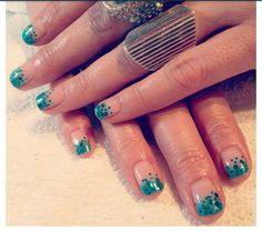 Emerald stone tips..