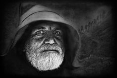 Photograph ...middle-earth wizard... by roblfc1892 roberto pavic  on 500px