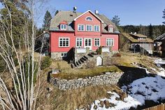 Nice old villa in Holmenkollen, Oslo. Fantastic view of the city of Oslo and the fjord.