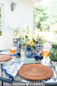 Find inspiration for your next event. If you are hosting a breakfast indoor, a lunch outdoors or a tea party, you can add my tabletop linen sets to embellish your table. Choose between the pink and blue floral sets. Heidi Carey Home Decor Collection Elegant Table Settings, Beautiful Table Settings, Tabletop, Come Dine With Me, Table Setting Inspiration, Printed Napkins, Floral Prints, Placemat, Summer Decorating