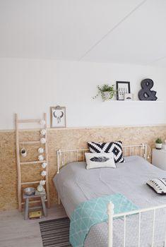 37 inspiration til at tørre OSB - Side 3 af 6 Chipboard Interior, Diy Deco Rangement, Scandinavian Interior Bedroom, Shed Interior, Diy Home Decor Bedroom, Bedroom Ideas, Fashion Room, New Room, Bedrooms