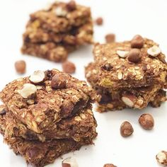 Healthy Carrot Cake Chocolate Chip Cookies (vegan, gluten-free and made without oil or refined sugar) Carrot Cake Cookies, Chocolate Chip Cookies, Cake Chocolate, Cookies Vegan, Healthy Chocolate, Granola, Easy Candy Recipes, Apple Pie Bars, Picky Eaters Kids